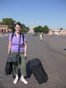 mit Gepäck durch Marrakesch