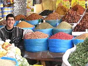 mietwagenrundreise-marokko-stände-souks