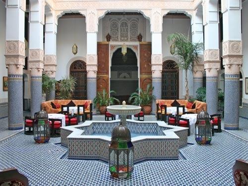 Brunnen in Riad in Fes