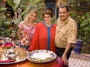 Marokko Rundreise - Familie am Tisch