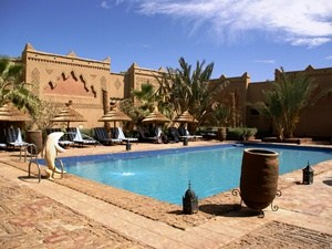 Marokko Rissani Pool Kasbah Hotel in Erfoud