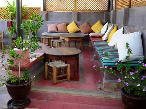 Dachterrasse eines Riads in Marrakesch
