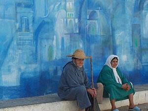 Buntes Wandbild in Asilah Medina