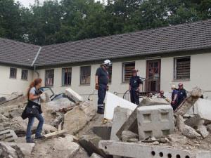 Trümmer auf dem Übungsfeld in Weeze