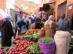 Gemüsestand in den Souks von Marrakesch