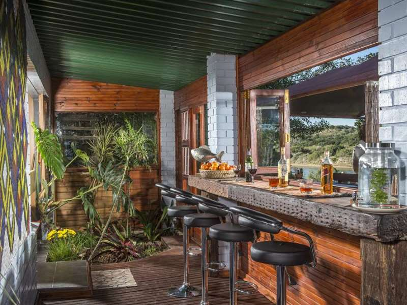 Bar Upgrade Hotel Addo