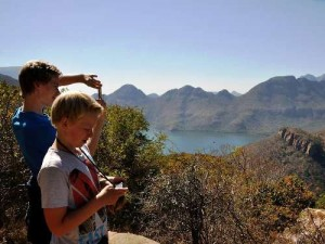 Panorama Route: Jungs am Blyde River Canyon