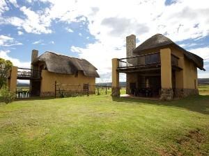 Südafrika Rundreise: Ansicht der Unterkünfte im Champagne Valley in den Drakensbergen