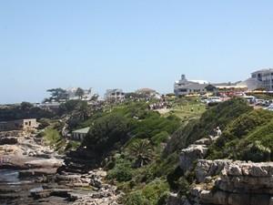 Die Küste bietet sich für eine Walbeobachtung in Hermanus an.