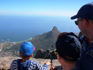 Südafrika Garden Route: Aussicht vom Tafelberg in Kapstadt