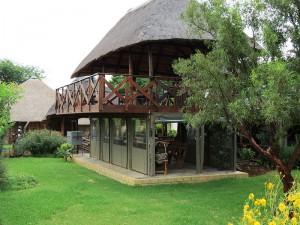 Bei Pretoria: Afrikanische Unterkunft am Loskop Dam