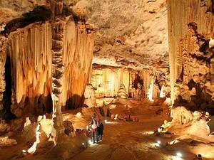 Garden Route mit Kindern: Die Cango Caves sind Tropfsteinhöhlen bei Oudtshoorn