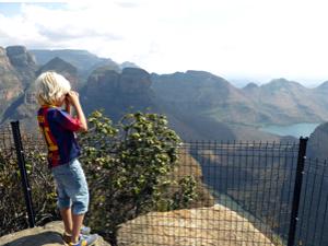 Südafrika Rundreise mit Kindern Junge am Blyde River Canyon