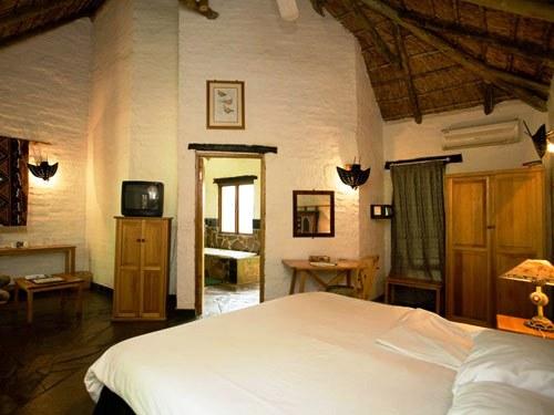 Zimmer der Safari Lodge bei Pilanesberg