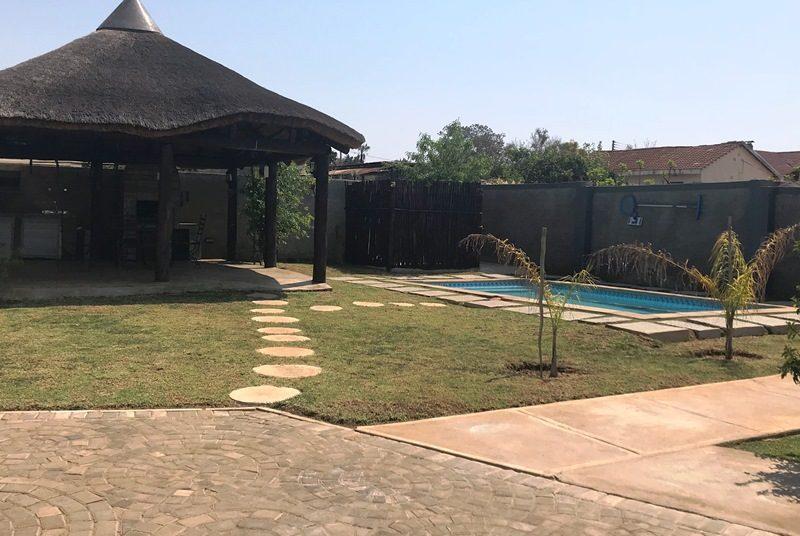 Pool Pilanesberg Hotel