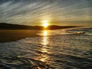 Garden Route mit Kindern: Der Strand von Plettenberg Bay