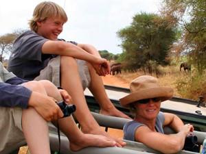 3 Wochen Südafrika: Familie im Jeep auf Safari