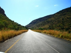 Safari Krüger Nationalpark: Straße in Südafrika