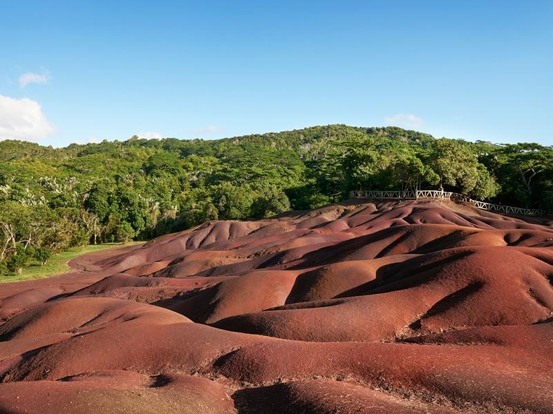 bunte Erde auf Mauritius