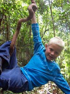 Junge im Taman Negara Nationalpark