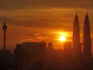 Sonnenuntergang in Kuala Lumpur - Malaysia Highlights