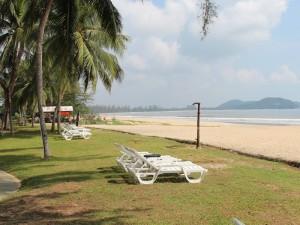 Liegen am Strand in Cherating