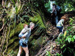 Borneo Familienreise - Wanderung im Bako Nationalpark