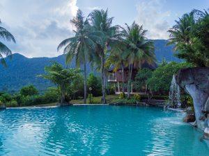 Kuching Damai Beach Hotel Pool