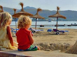 Marokko Rundreise mit Kindern: Kinder am Strand