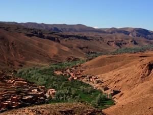 Königsstädte Marokko: dades-tal-unterwegs-landschaft
