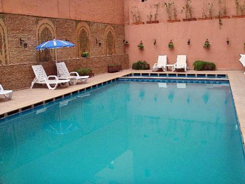 Pool einer Unterkunft