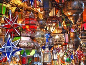 bunte Lampen in Marrakesch