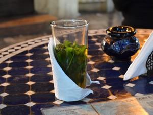 Königsstädte Marokko: Tee trinken in Fes