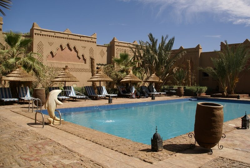 Erfoud Hotelpool Marokko Familienreise
