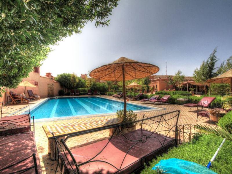 Hotel mit Pool im Dadestal