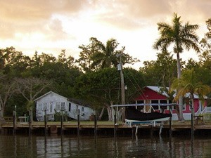 Lodges beim Sonnenuntergang in den Everglades