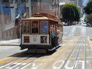 Kalifornien Rundreise: traditionelle Straßenbahn in San Francisco