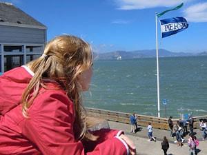 Südwesten USA: Mädchen am Pier 39 in San Francisco