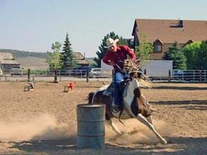 Tonnenrennen auf einer Cowboy Ranch in den USA