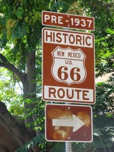 Schild von der Route 66 in den USA