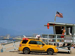 USA Familienreise: Rettungsturm am Strand von Santa Monica
