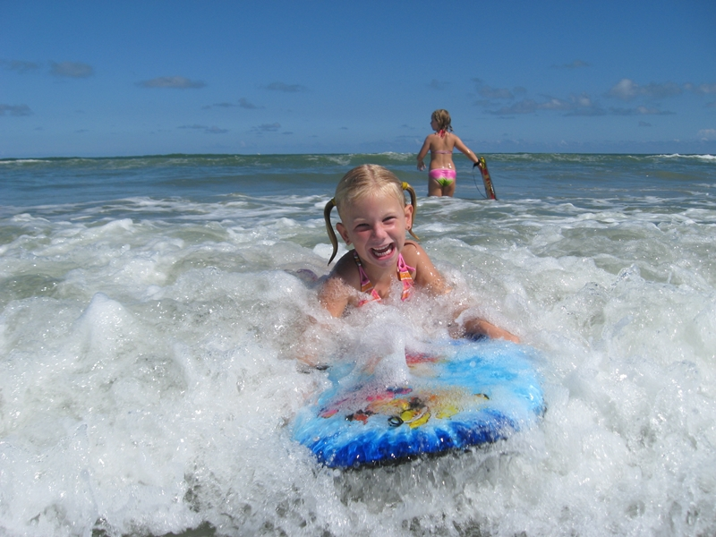 Warum in die USA reisen? Boogieboarden in Cocoa Beach