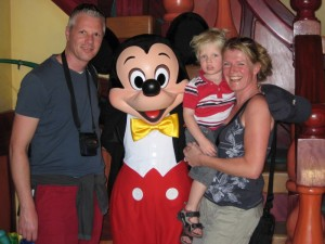 Florida Highlights: familie mit mickey mouse in disney world orlando