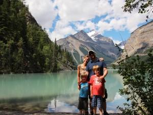 Entdecken Sie blaue Bergseen in Kanada.