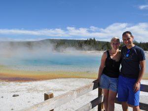 türkisfarbener See im Yellowstone