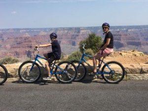 Radeln Sie mit dem Fahrrad durch die Nationalparks.
