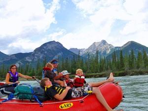 Squamish: Eine Familie fährt auf einem Boot und hat Spaß