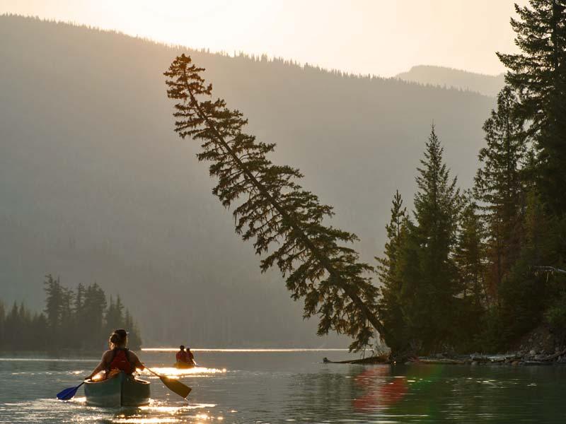 Kajakfahren auf dem See bei Revelstoke
