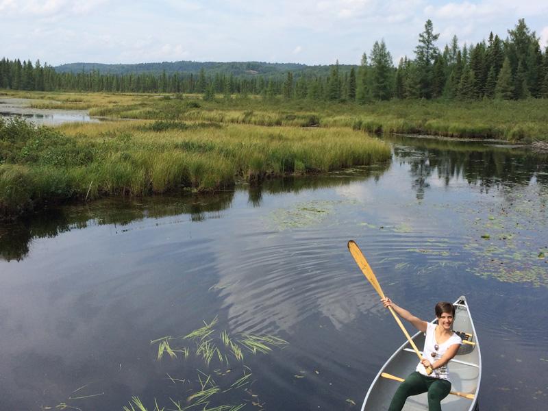 mit einem Boot durch den Nationalpark