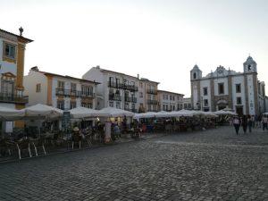 Evora stadsplein
